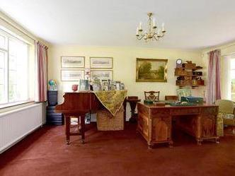 House for sale, Cranford Road
