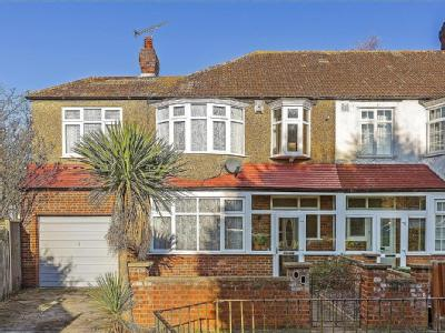 House for sale, Crossway, Sw20
