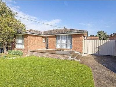 631 Dalton Road - Garden, Auction