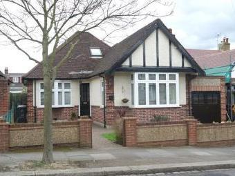 Milton Avenue, Barnet En5 - Detached