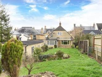 The Leys, Chipping Norton OX7 - House