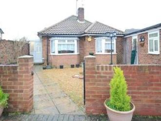 Robindale Avenue, Earley, Reading Rg6