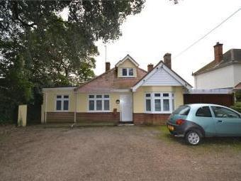 Point Clear Road, St. Osyth, Clacton-on-sea Co16