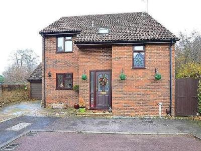 Bulrush Close, Chatham, Kent, Me5