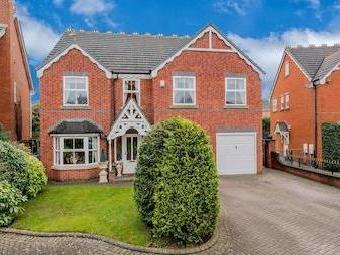 Wallace Court, Cheslyn Hay, Walsall Ws6