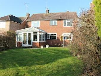 Cavendish Drive, Claygate, Esher Kt10