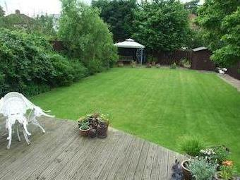Elton Road, Darlington Dl3 - Garden