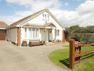 Charlmead, East Wittering, Chichester Po20