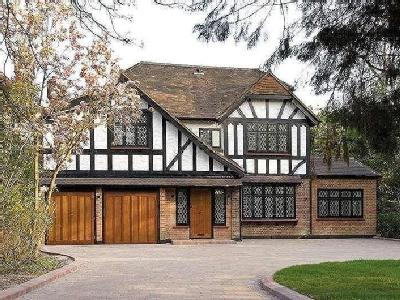 Canons Drive, Edgware, Middlesex, HA8