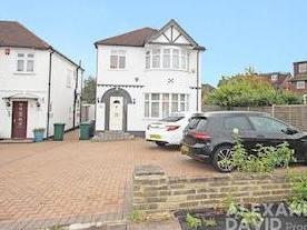 Windsor Avenue, Edgware Ha8 - Garden