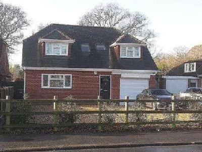 Horndean Road, Emsworth, Hampshire, PO10