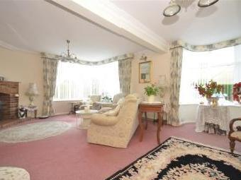 Chalet Road, Ferring, Worthing, West Sussex Bn12