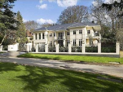 Camp Road, Gerrards Cross, Buckinghamshire, SL9