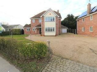 Frating Road, Great Bromley, Essex Co7