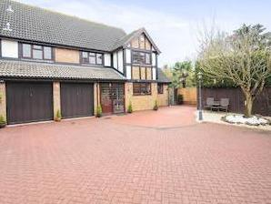 Yew Tree Close, Hatfield Peverel, Chelmsford Cm3