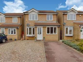 Foxes Close, Hertford Sg13 - Detached