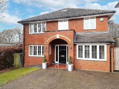 Foxhill Close, High Wycombe, Hp13