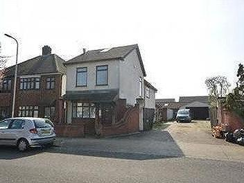 Forest Road, Romford, RM7 - Detached