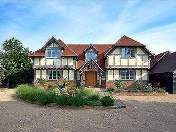 West Horsley, Between Cobham and Guildford, Surrey, KT24