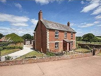 House for sale, Bow, Crediton