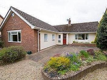 Romany Road, Oulton Broad - Bungalow