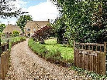 Burford Road, Old Brize Norton, Oxfordshire, OX18