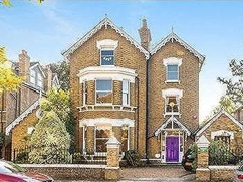 Kew Gardens Road, Richmond, Surrey, TW9