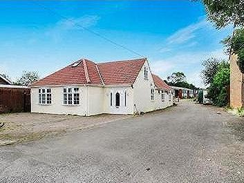 House for sale, Rushden - Bungalow