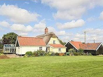 Northacre, Caston - Detached, Listed