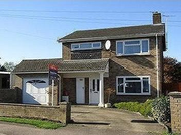 House Lane, Arlesey, SG15 - Detached