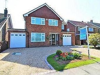 Heronsgate, Frinton-On-Sea - Detached