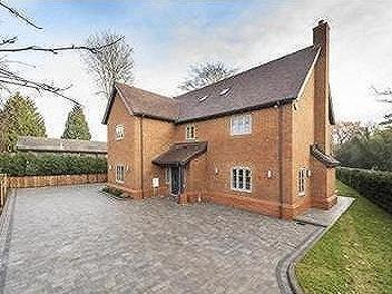 Ashlyn Farm, Berkhamsted - Detached