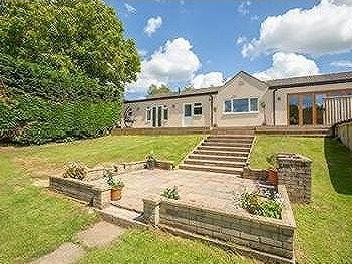 Single storey contemporary living in Bruton - No Chain