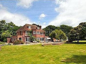 Little Heath Road, Fontwell, West Sussex, BN18