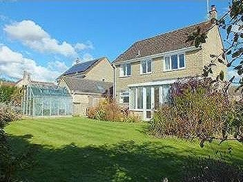 House for sale, Latton - Garden