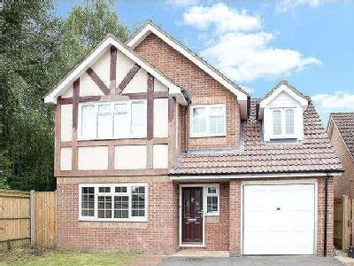 House for sale, Lindford Chase