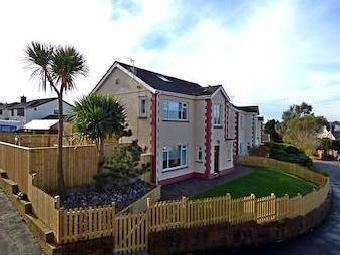 Wychwood Close, Langland, Swansea Sa3