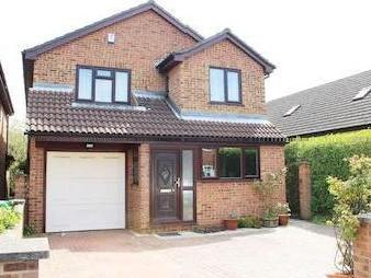 Chestnut Avenue, Langley, Slough SL3