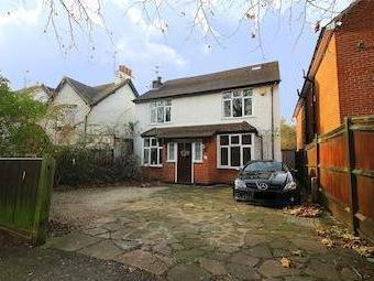Chestnut Avenue, Langley, Berkshire Sl3