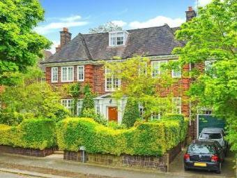 Hocroft Road, The Hocrofts NW2