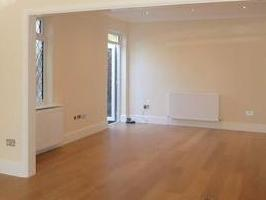 House to let, Millway Nw7 - Reception
