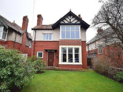 Mayfield Road, Lytham St. Annes, FY8