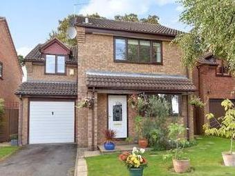 Maidenhead, Berkshire Sl6 - Detached
