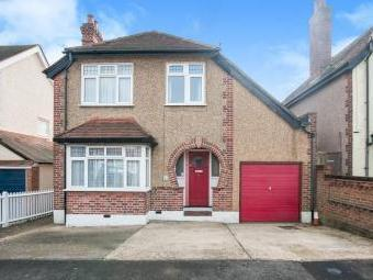 Alwyn Road, Maidenhead Sl6 - Detached