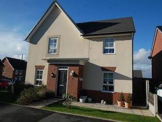 Rayleigh Close, Radcliffe M26
