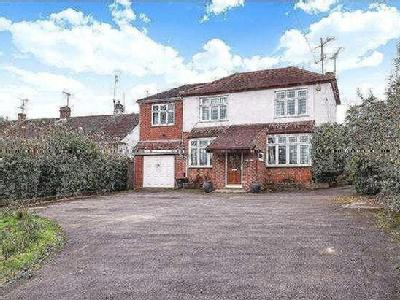 Loddon Bridge Road, Woodley, Reading, RG5