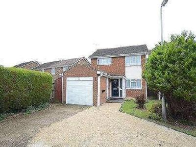 Whitton Close, Lower Earley, Reading, Rg6