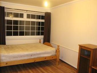 The Dale, Sheffield S8 - Furnished