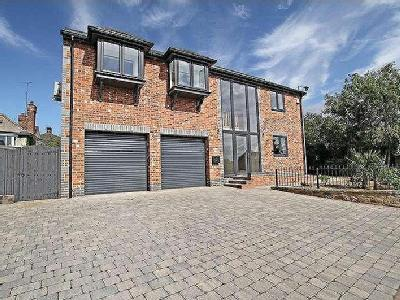 Doncaster Road, Thrybergh, S65