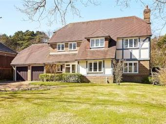 Pinewood Chase, Crowborough, East Sussex Tn6